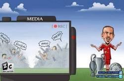 Enlace a Ribery viendo la pelea entre Ronaldo y Messi por el balón de oro