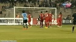 Enlace a GIF: Golazo de falta de Cavani en el partido de repesca ante Jordania