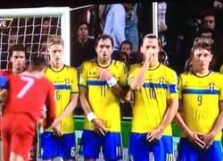Enlace a Zlatan siempre protegiendo lo importante
