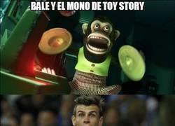 Enlace a Bale y el mono de Toy Story