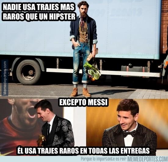 212871 - Messi y su traje hecho con cortinas