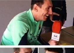 Enlace a La reacción de Messi cuando se le preguntó acerca de dejar el Barça