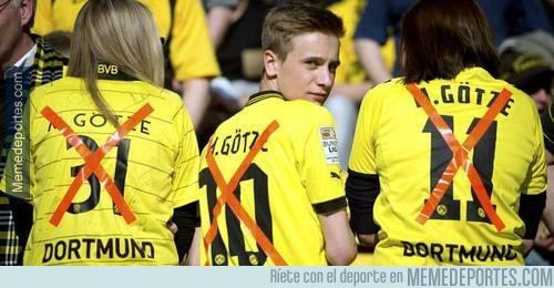 214142 - Recibimiento de la afición del Borussia a Mario Götze