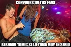 Enlace a Convivir con tus fans, Bernard Tomic se lo toma muy en serio