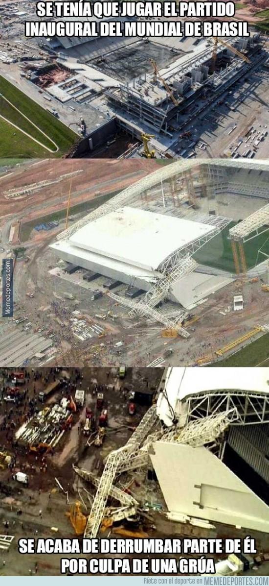 216822 - Se derrumba parte del estadio que inauguraría el Mundial 2014