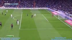Enlace a GIF: Benzema está on fire, a pase de Bale