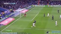 Enlace a GIF: Bale, comandante en funciones del Real Madrid
