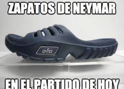 Enlace a ¿Qué le pasa a Neymar que no para de resbalarse?