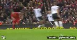 Enlace a GIF: Hat trick de Suárez vs Norwich, una máquina