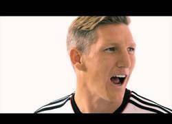 Enlace a VÍDEO: Jugadores de la selección alemana no pueden pronunciar Brazuca