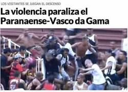 Enlace a Se acaba de liar parda en Brasil, Curitiba, en donde jugará España