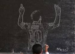 Enlace a Puro arte el que tiene esta niña vietnamita a la hora de recrear a estos cracks del fútbol