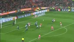 Enlace a GIF: El gol de Matic [Nominado al Premio Puskas]