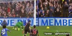 Enlace a GIF: Esta vez Torres no falla, gol contra el Crystal Palace
