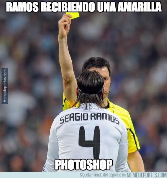 227788 - Sergio Ramos recibiendo una amarilla