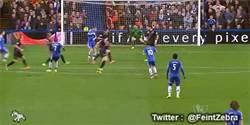 Enlace a GIF: La clase de Ramires para darle la victoria al Chelsea