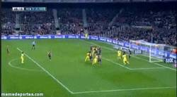 Enlace a GIF: Musacchio empata el partido. Pinto lleva 6 goles en 6 partidos