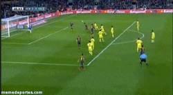 Enlace a GIF: Neymar sigue a lo suyo, segundo gol contra el Villareal