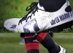 Enlace a Las nuevas botas que está utilizando Súper Mario ante la Roma
