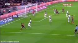 Enlace a GIF: Y Neymar se despide este año con este gol de cabeza al Cartagena