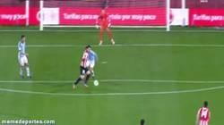 Enlace a GIF: Golazo de Iker Muniain a lo Arsenal