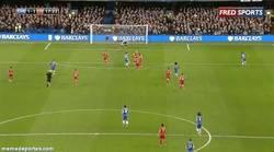 Enlace a GIF: Golazo de Hazard. Marca poco, pero todo son golazos