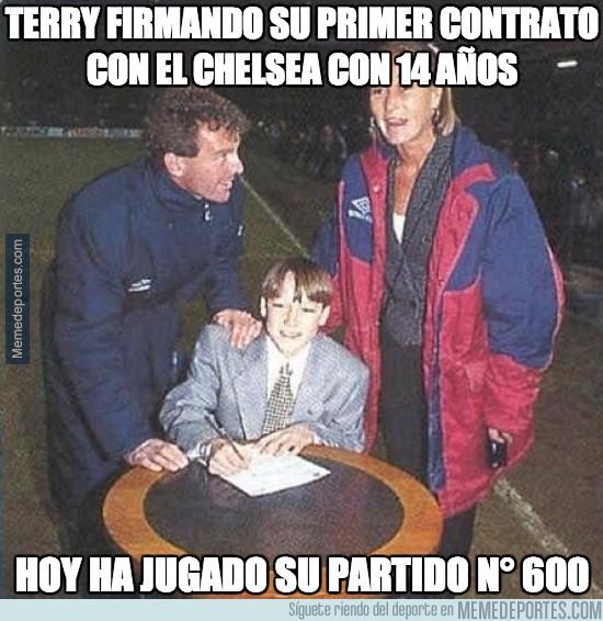 236129 - Terry firmando su primer contrato con el chelsea con 14 años