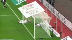 Enlace a GIF: El hostiazo del año en la Bundesliga