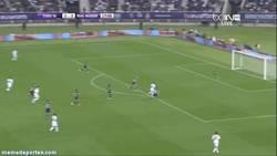 Enlace a GIF: Ni Ibra ni CR7, éste fue el único gol en el amistoso Real Madrid - PSG