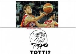 Enlace a Totti se pasa al baloncesto