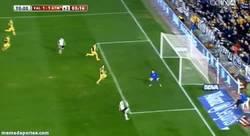Enlace a GIF: El gol de Postiga que le salva el culo al Valencia casi terminando el partido