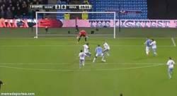 Enlace a GIF: Y Toure Yaya a lo suyo. ¡Golazo contra el West Ham!