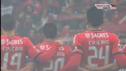 Enlace a Homenaje en las camisetas del Benfica a Eusebio