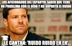 Enlace a Los aficionados del Espanyol saben que tiene un problema con el oído y no soporta el ruído