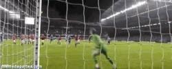 Enlace a GIF: El Manchester United necesitará hoy estos paradones de De Gea contra el Chelsea