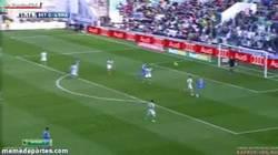 Enlace a GIF: Y el gol de Morata, el gol de la manita al Betis