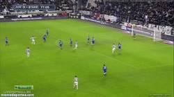 Enlace a GIF: Golazo de Pogba a la Sampdoria. La Juve líder en solitario de la Serie A