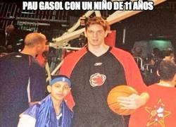 Enlace a Pau Gasol con un niño de 11 años