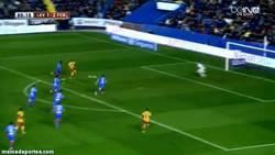 Enlace a GIF: Messi - Tello. Segundo asalto