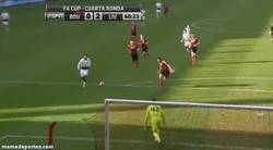 Enlace a GIF: Asistencia de Suárez para que Sturridge marque, dupla imparable