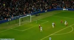 Enlace a GIF: El segundo gol de Agüero, Golazo