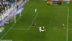 Enlace a GIF: ¿No marca Diego Costa? Pues alguien tendrá que hacer los goles
