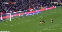 Enlace a GIF: Sí señores, primer gol en 2014, Diego Costa sentencia la eliminatoria