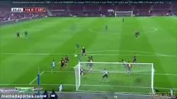 Enlace a GIF: Sergi Roberto el nuevo Piqué, gol en propia