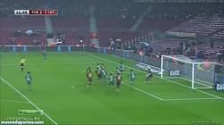 Enlace a GIF: Gol de la remontada de Puyol, que no marcaba desde hace más de un año