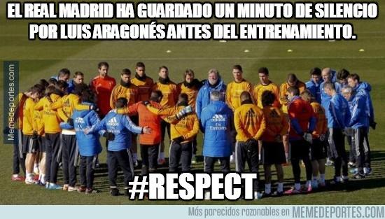 258340 - El Real Madrid ha guardado un minuto de silencio por Luis Aragonés antes del entrenamiento