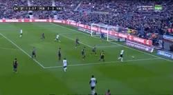 Enlace a GIF: Sí sí, lo ves bien, gol de Álcacer al Barça, primer equipo que le casca 3 al barça