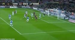 Enlace a GIF: El primero del Barça, por ¡¿Busquets?!