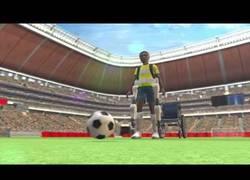 Enlace a VÍDEO: Paralítico ayudado por un exoesqueleto dará el saque inicial a Brasil 2014