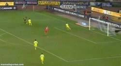 Enlace a GIF: Resumen del partido de Balotelli ante el Napoli